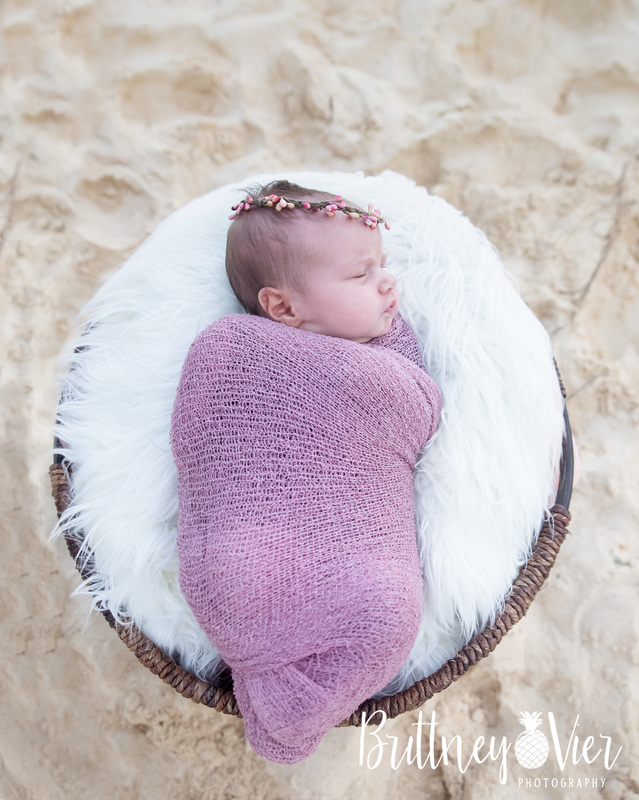 Oahu newborn photographer | newborn beach pose